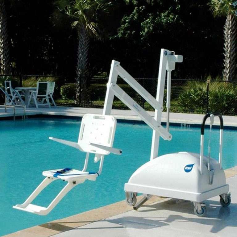 Elevador portàtil Astrapool d'accés discapacitats a la piscina
